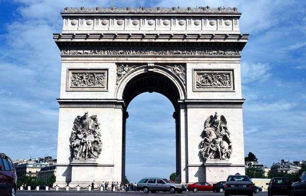 Large best arc de triomphe !