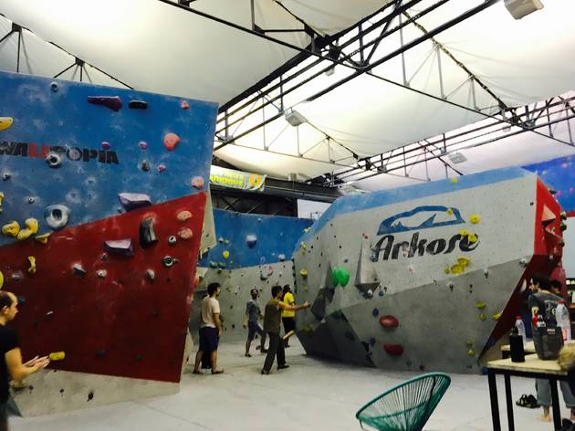This is a picture of the interior of Arkoze, which is nice activity to do in Paris.