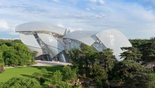 This is a picture of the outside of the fondation Louis Vuitton at Paris.