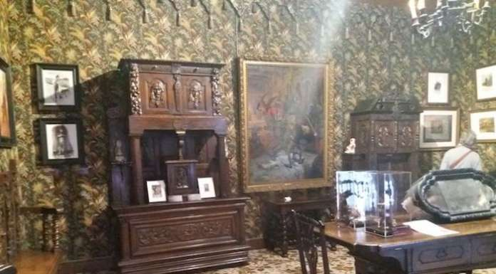 This is a picture of the inside of the maison de victor Hugo at Paris.
