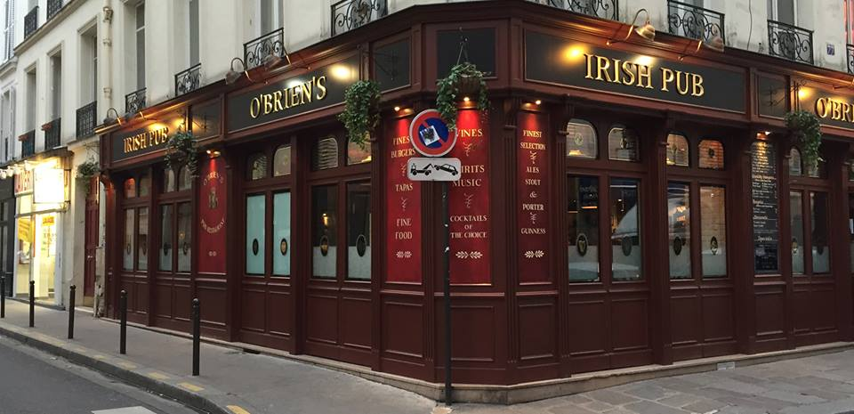 Picture of a nice pub and restaurant in Paris.