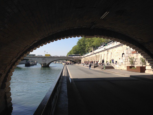 A nice things to do in Paris when it is sunny.
