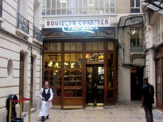 Picture of a nice restaurant in Paris France.