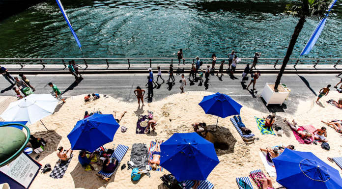 Picture of a nice things to do in Paris when it is hot